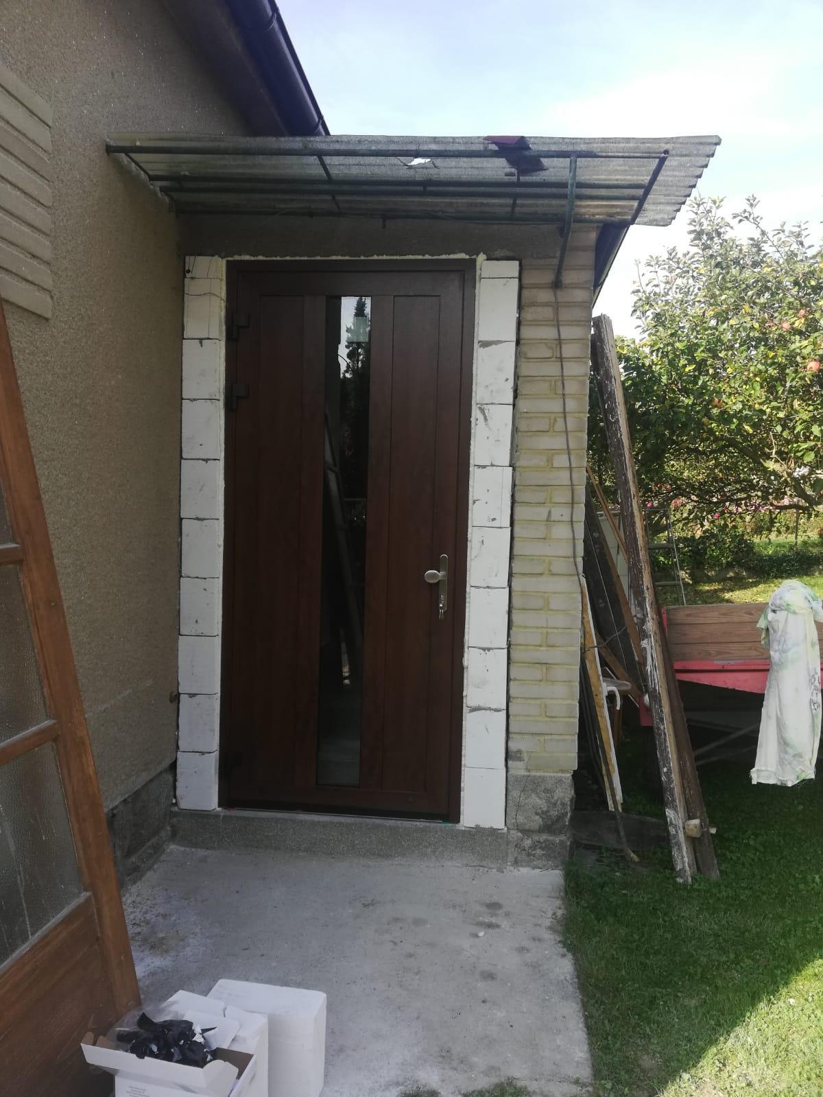 Rekonstrukce 🏡 20/21 - ..a nové dveře
