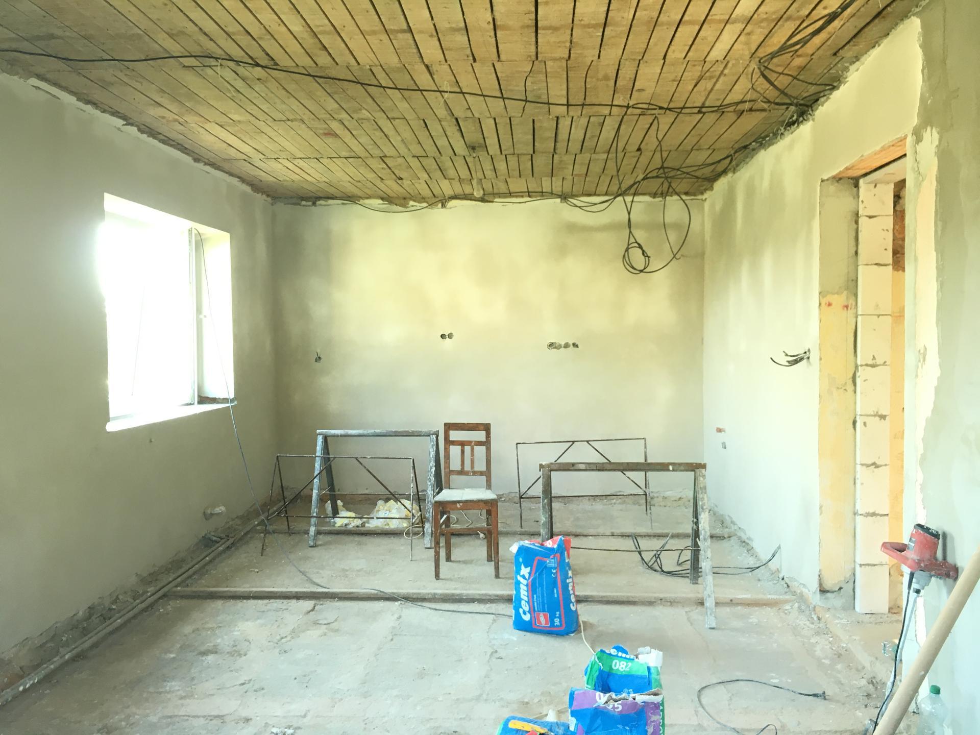 Rekonstrukce 🏡 20/21 - Nové štuky v místnostech