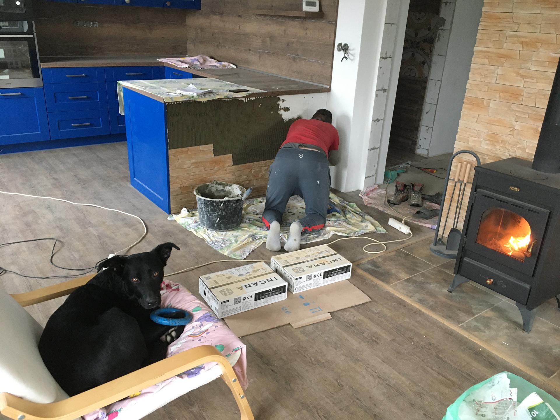 Rekonstrukce 🏡 20/21 - Obložení kuchyně kamenem