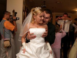 ... a svoju ženu si môže držať kde on chce!