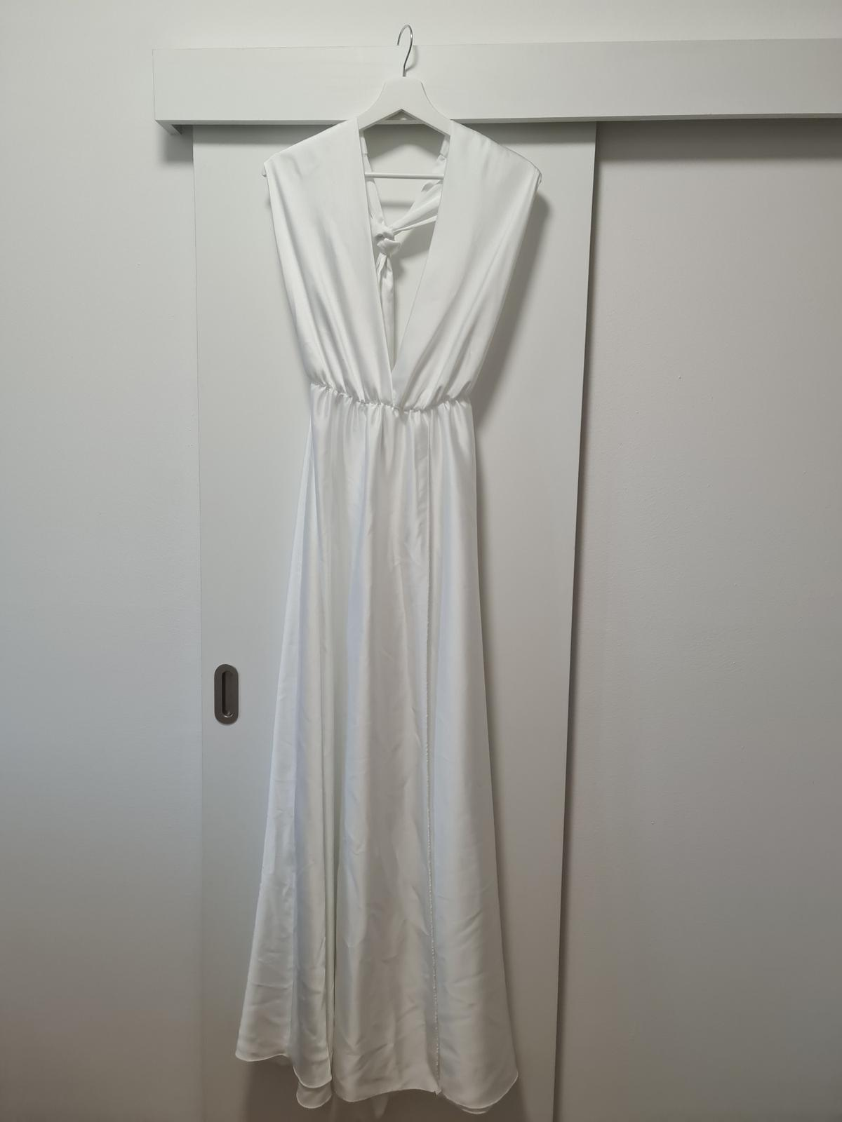 Šaty - Obrázek č. 1