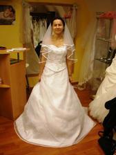 Poprve ve svatebnim