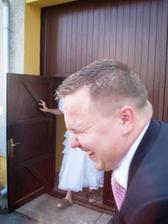 Chtěli mu podstrčit falešnou nevěstu...