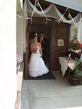 Přícházíme se ukázat svatebčanům