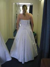 1.šaty zozadu