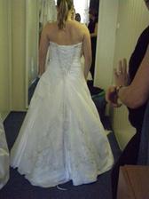 2.šaty zozadu