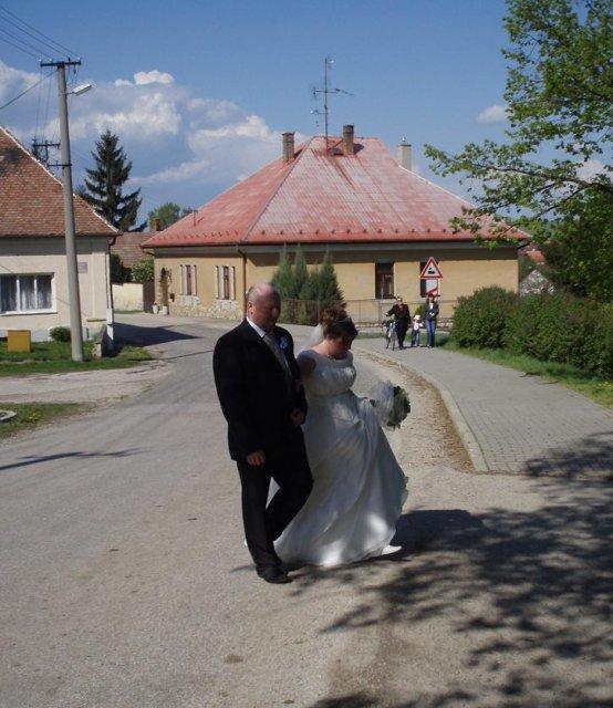 Zuzanka Lampertová{{_AND_}}Janko Kadja - tatino ma viedol k oltaru