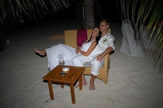 připravili nám večeři z darů moře přímo na pláži...