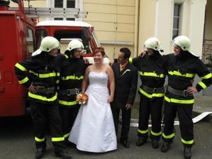 přijeli i hasiči:-)