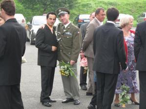 muj muž s mým bráškou ( profi voják ):-)
