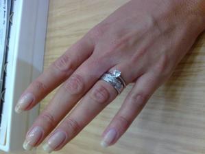 Detail svatebního prstýnku