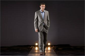 koupený oblek pro ženicha:-)))P.S. Toto není ženich:-))
