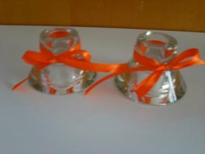 stojánky na dlouhé oranžové svíčky