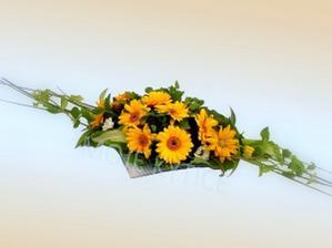květinový výzdoba na obřadu a hostině