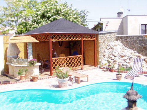 Naše sny - s týmto na záhrade:)