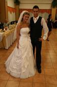 Svadobné šaty s bolerkom , 38