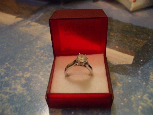 Zásnubný prsteň a môj nastavajúci - Obrázok č. 4