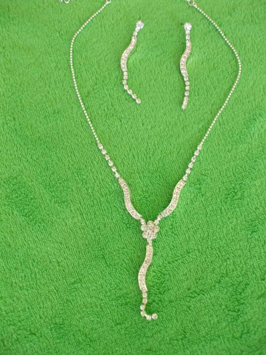 Niečo čo sa mi páči a niečo čo už máme doma :)) - Môj náhrdelník a náušnice