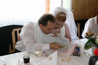 Mňam, byla výborná, i když jsem manžela musela krmit levačko :o)