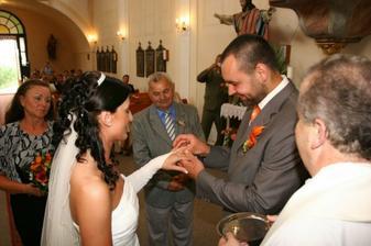 malý kroužek pro nevěstu
