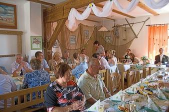 A hostina může začít! Jídlo bylo vynikající.