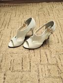 Pohodlné kožené svadobné sandálky, 36