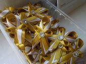 svadobné pierka zlaté,