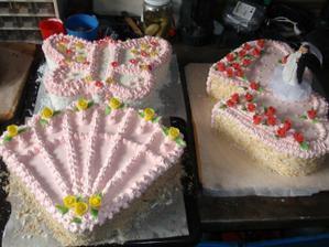 toto jsou dorty co půjdou na stoly