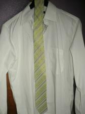 Košeľa a kravata, ktorá bude ladiť z mojimi popolnočnými šatami