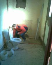 provizorní WC, díky bohu za něj !!!