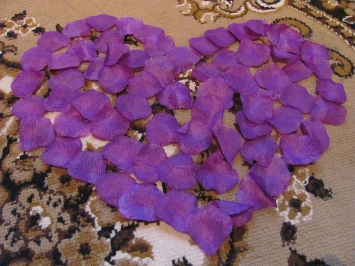 Náš veľký deň :) - a lupienky :) sice fialové, ale nevadí ... to zladíme nejako :)