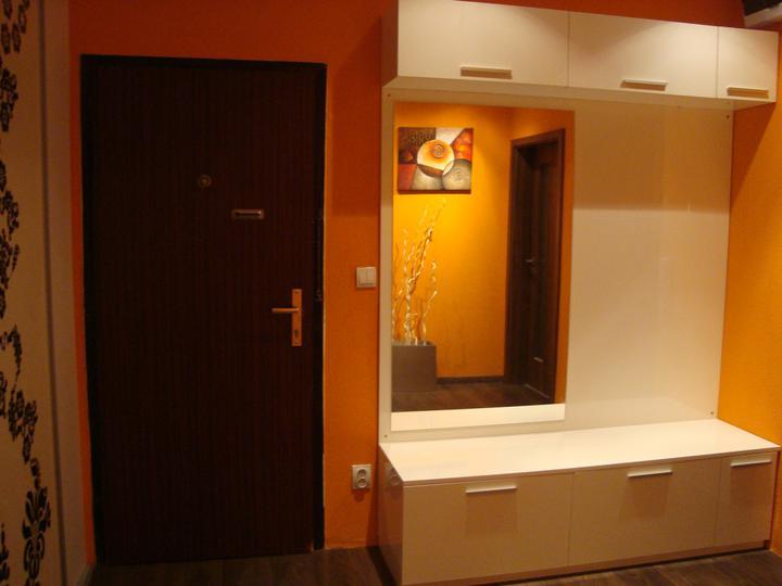 Rekonstrukce pracovna, loznice, obyvka, hala, detsky - nase nova botnikova stena:)jupiii
