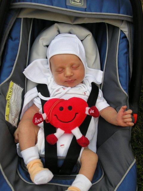 Majka{{_AND_}}Peťko - mám 1 mesiac :)