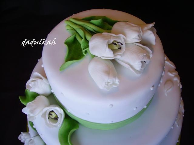 Čo sa mi páči:)) - torticka bude tiez tulipanova:)