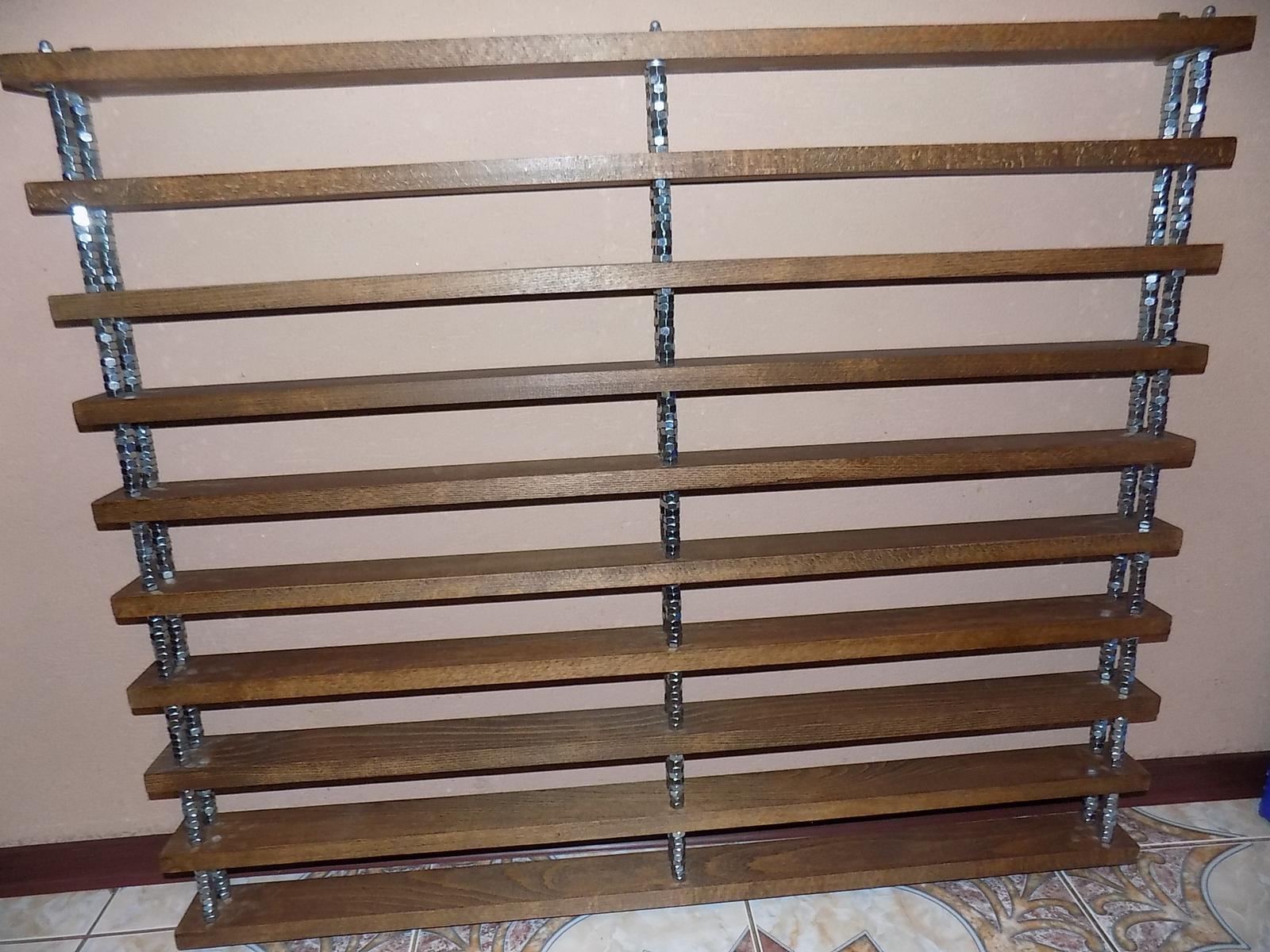 drevená polica -výstavná - Obrázok č. 1