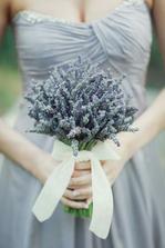 šaty i kytice nádhera