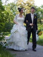 Vidíte, jak je ochotný, od prvního dne manželství nese má těžká břemena..:-)
