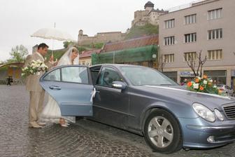 ...a hurá na svadobnú hostinu