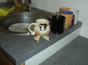 Umýváme nádobí :o)