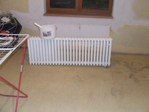 Natírala sem radiátory..byly eště dobré tak škoda je vyhazovat..tak sa dali enom nové měděné trubky..