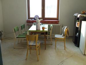 Tak sme měli asi půl roku jakokuchyň :o)