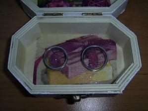 Krabička na prstýnky...