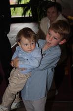 Strýc se synovcem....Byli skvělí...