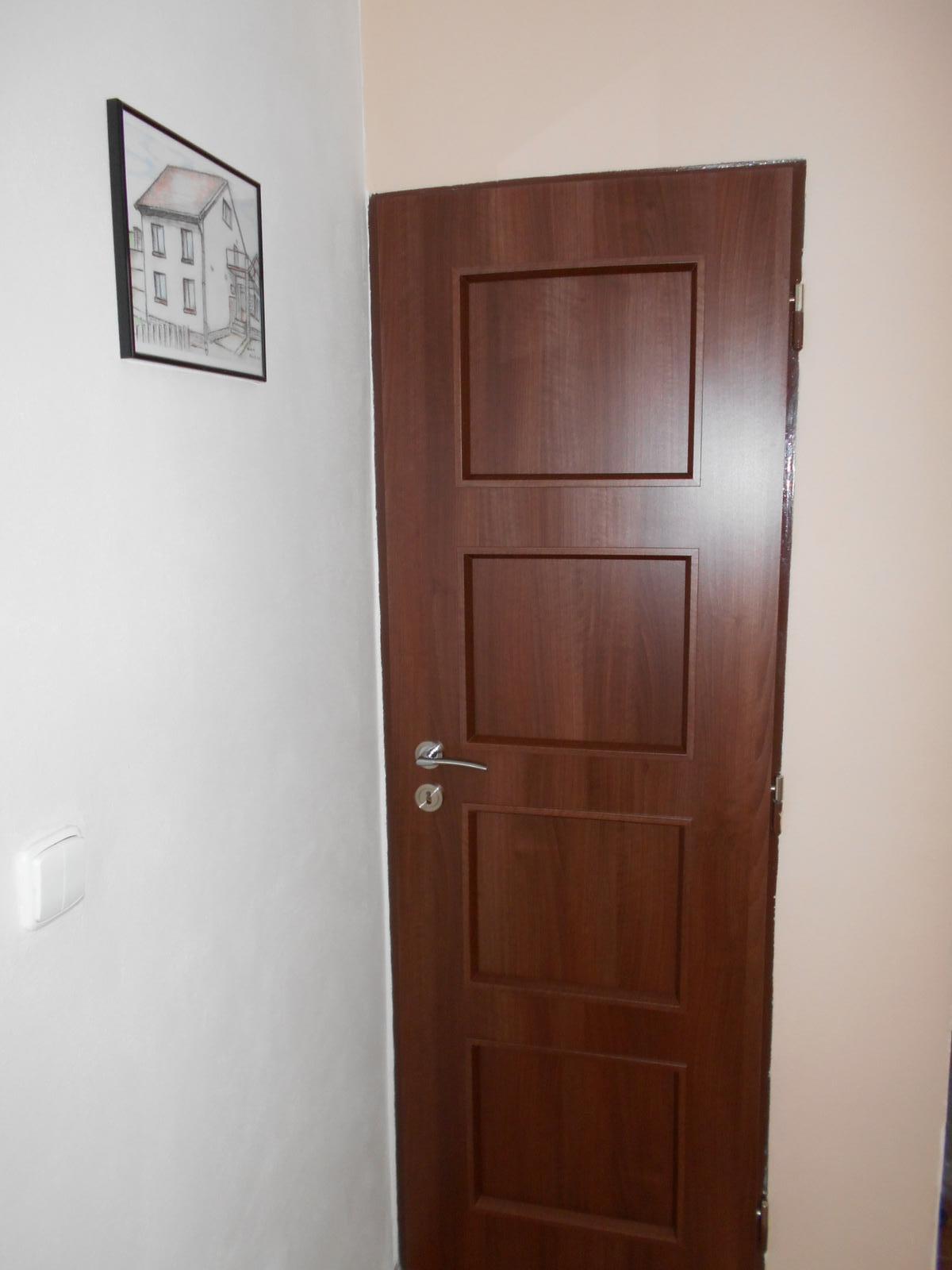 WC - Nové dveře ... :o)