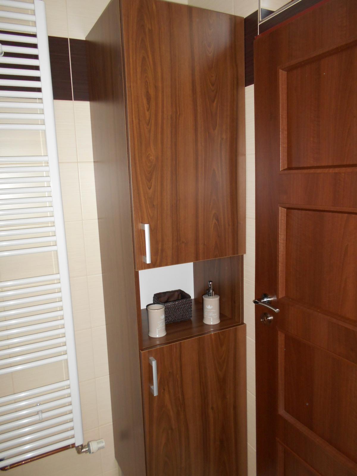Koupelna - Nová skříňka. Jak jinak než od šikovného souseda :o)