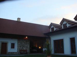 Hotel Baron Štiřín - vybráno pro hostinu a večerní veselí :-)
