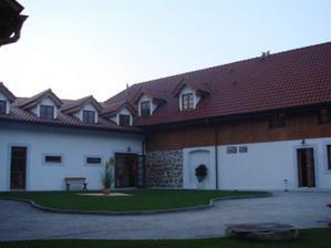 Hotel Baron Štiřín - druhý pohled