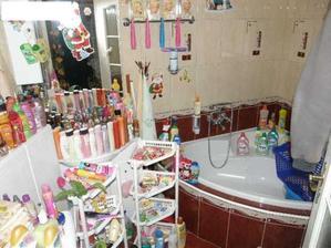 ženy... ešte furt si myslíte, že máte doma moc kozmetiky? :-D