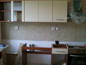 montujeme kuchynu...