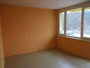 Obývačka, pohľad od kuchyne